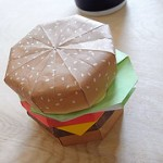 Hamburguesas y papel (foto de marc0047 en flickr)